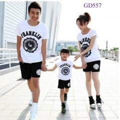 Áo phông gia đình trẻ trung