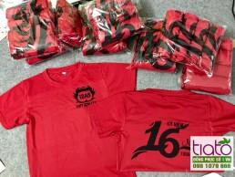 Áo phông họp lớp màu đỏ