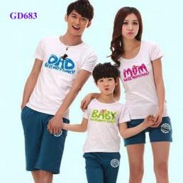 Bộ áo gia đình nghộ nghĩnh tại Hà Nội