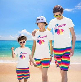 Bộ quần áo gia đình đi biển